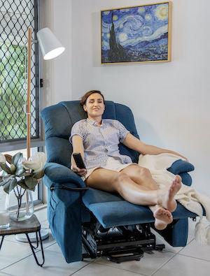 https://sleephive.com.au/wp-content/uploads/2021/04/Chair-Blue-Testimonial.jpg